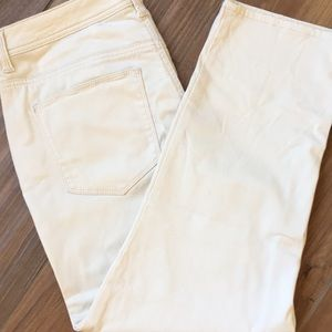 Chico's the Crop Pant